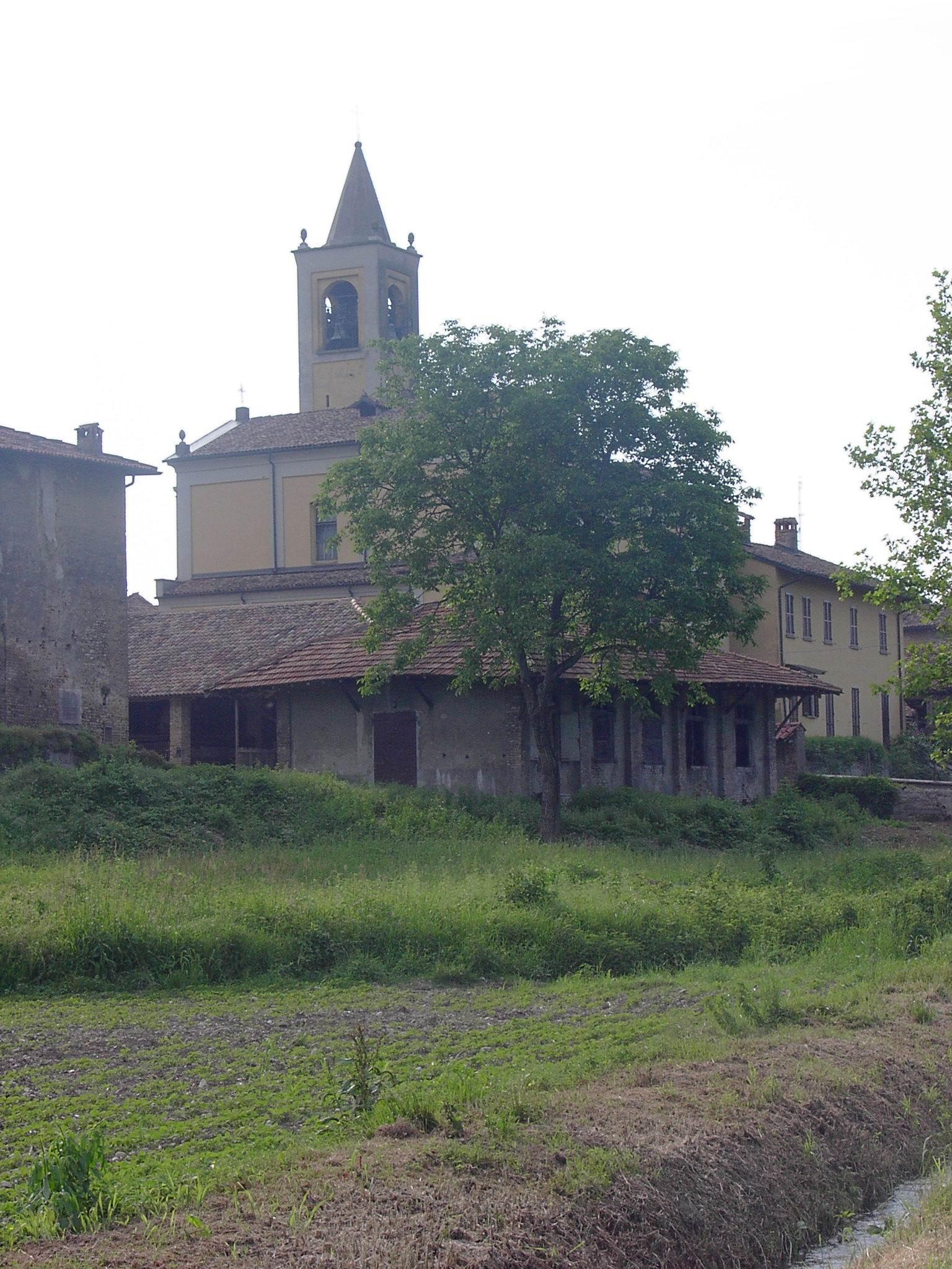 La chiesa di Corneliano è dedicata ai santi Biagio e Giorgio.