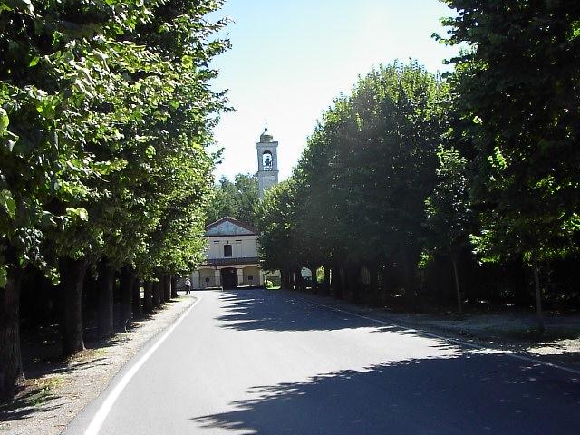 La chiesa parrocchiale è dedicata a S.Michele Arcangelo.